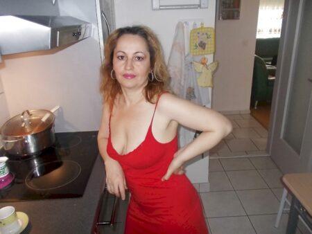 Femme cougar sexy vraiment très romantique cherche un homme clean