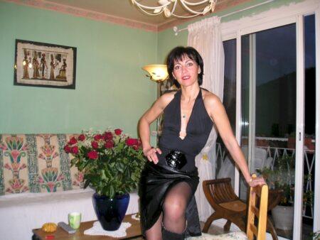 Femme infidèle sexy soumise pour libertin qui aime la domination
